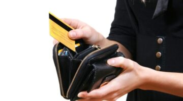 Do You Really Need RFID Protection? Is It Easy For Electronic Pickpocketers To Access Chip Credit Cards?