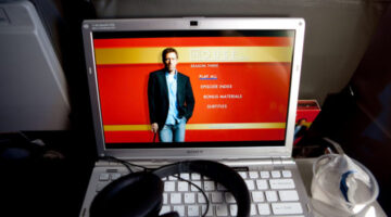 watch-tv-on-computer-by-Anthony-Quintano